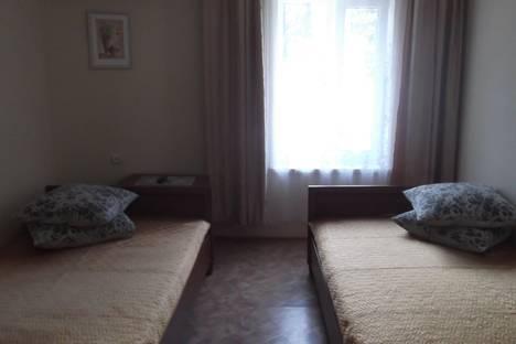 Сдается 1-комнатная квартира посуточно в Алуште, Ул. 15 Апреля дом 7.