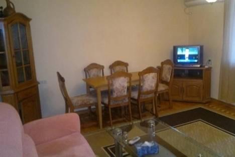 Сдается 2-комнатная квартира посуточно в Ереване, пр. Саят-Новы, 10.