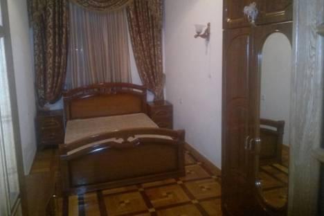 Сдается 3-комнатная квартира посуточно в Ереване, Налбандяна, 15.