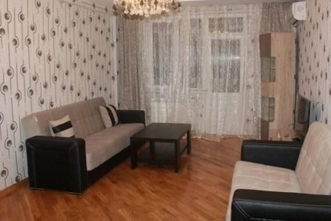 Сдается 3-комнатная квартира посуточно в Баку, пр. Алияра Алиева, 19.