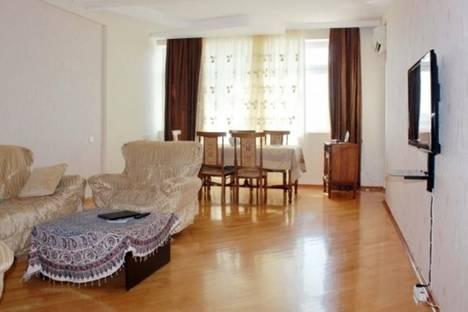 Сдается 3-комнатная квартира посуточно в Баку, ул. Ага Нейматулла, 79.