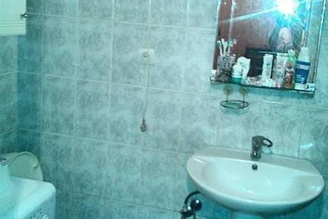 Сдается 3-комнатная квартира посуточнов Гагре, ул. Абазгаа, 63/1.