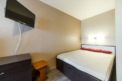 Сдается 1-комнатная квартира посуточно в Екатеринбурге, Чапаева,72а.