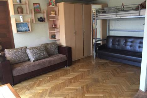 Сдается 1-комнатная квартира посуточно, 3 парковая 36.