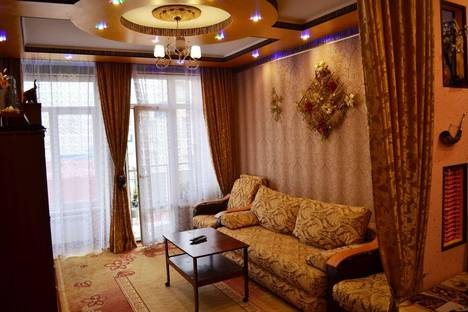 Сдается 3-комнатная квартира посуточнов Сочи, ул. Роз, 115/1.