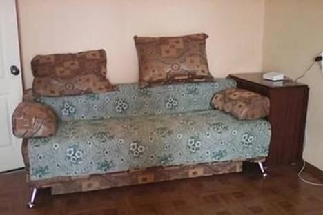 Сдается 1-комнатная квартира посуточно в Кургане, ул. Бурова-Петрова, 79.