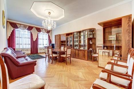 Сдается 4-комнатная квартира посуточно в Санкт-Петербурге, Реки Мойки набережная, 16.