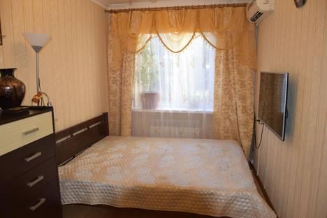 Сдается 2-комнатная квартира посуточно в Алуште, Партизанская, 25.