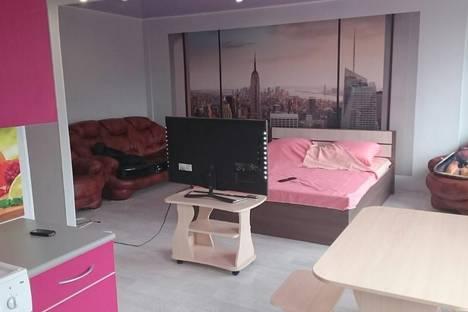 Сдается 1-комнатная квартира посуточно в Лесосибирске, 5 микрорайон, 29 дом.