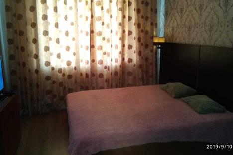 Сдается 1-комнатная квартира посуточно, улица Тухачевского, 30, подъезд 2.
