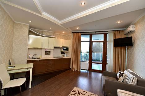 Сдается 1-комнатная квартира посуточнов Ялте, Набережная имени Ленина 4.