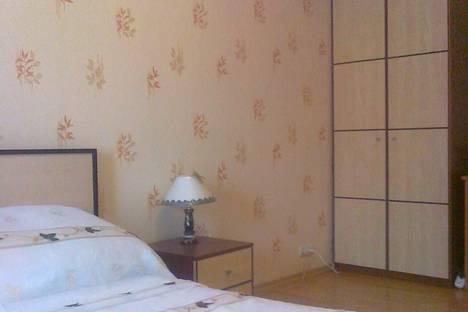 Сдается 2-комнатная квартира посуточно в Рыбинске, ул.КИРОВА  д. 11.