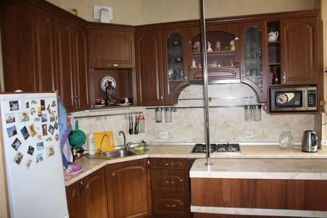 Сдается 4-комнатная квартира посуточнов Санкт-Петербурге, проспект Стачек, 67 к1.