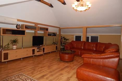 Сдается 2-комнатная квартира посуточно в Севастополе, Новикова, 17.