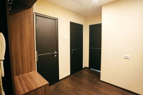 Сдается 2-комнатная квартира посуточно, Ореховая, 3.