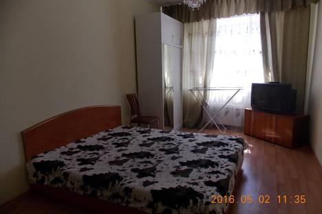 Сдается 1-комнатная квартира посуточно в Сургуте, Ул. Киртбая, дом 20.