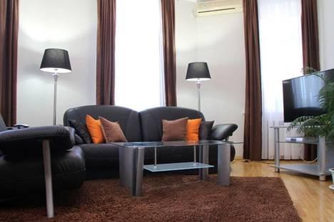 Сдается 2-комнатная квартира посуточно в Кишиневе, пр-т Штефан чел Маре, 71.