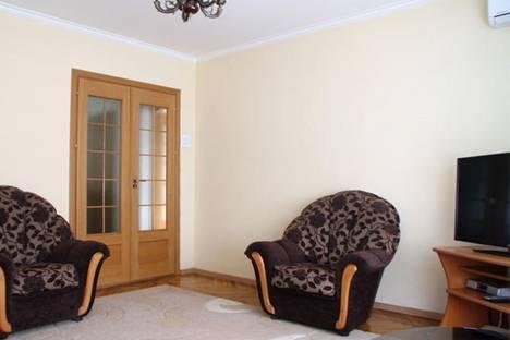 Сдается 4-комнатная квартира посуточно в Кишиневе, пр-т Штефан чел Маре, 3.