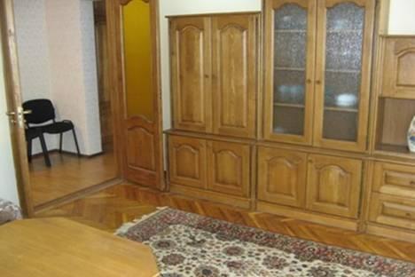 Сдается 2-комнатная квартира посуточно в Кишиневе, пр-т Штефан чел Маре, 3.