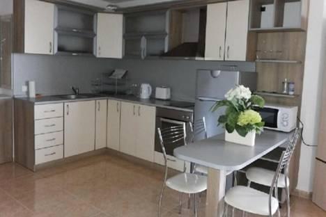 Сдается 3-комнатная квартира посуточно в Бургасе, Святой Влас, Люляк, 18.