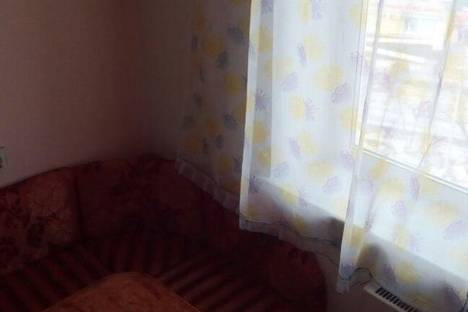 Сдается 1-комнатная квартира посуточнов Саяногорске, советский мкрн, 14.