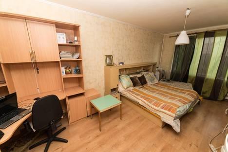Сдается 1-комнатная квартира посуточнов Видном, ул. Шоссейная, д.6.