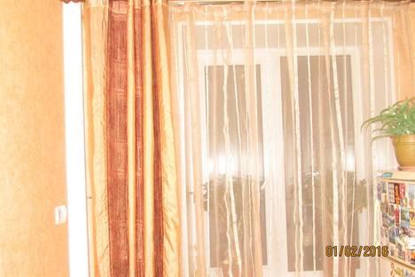 Сдается 1-комнатная квартира посуточно, М. Горького 127.