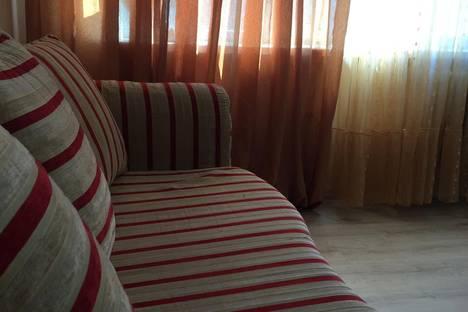 Сдается 2-комнатная квартира посуточно в Нижневартовске, Нефтяников 15.