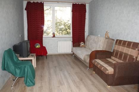 Сдается 3-комнатная квартира посуточнов Санкт-Петербурге, Пр.Солидарности 7.