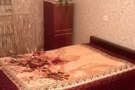 Сдается 2-комнатная квартира посуточно в Курске, ул. Студенческая,  20.