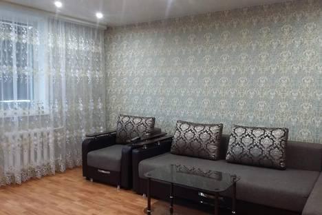 Сдается 3-комнатная квартира посуточно в Яровом, Картал А дом 35.