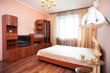 Сдается 1-комнатная квартира посуточно в Москве, улица Павла Андреева, 4.