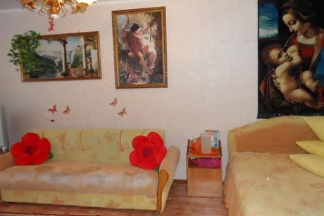 Сдается 1-комнатная квартира посуточно в Яровом, квартал Б дом 12.