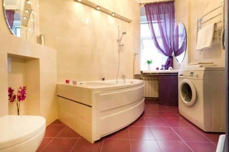 Сдается 1-комнатная квартира посуточнов Санкт-Петербурге, Невский проспект, 129.
