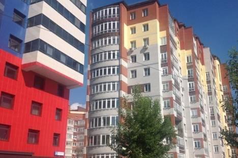 Сдается 2-комнатная квартира посуточно в Кирове, Орловская 4.