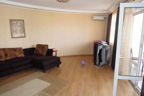 Сдается 2-комнатная квартира посуточнов Сочи, ул. Ленина, 219/35.