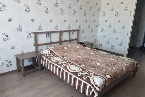 Сдается 1-комнатная квартира посуточнов Сургуте, ул. Геологическая, 15/1.
