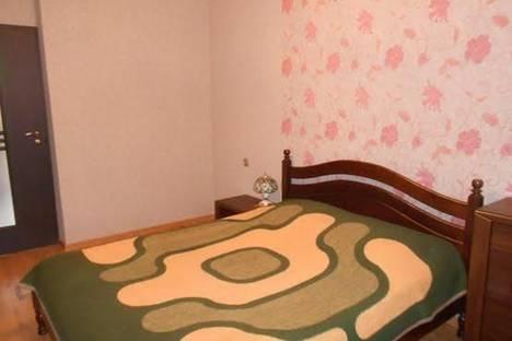 Сдается 2-комнатная квартира посуточно в Ильичёвске, Парковая, 36.
