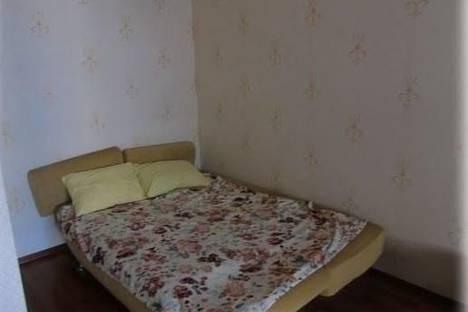 Сдается 1-комнатная квартира посуточно в Ильичёвске, Парковая, 36.