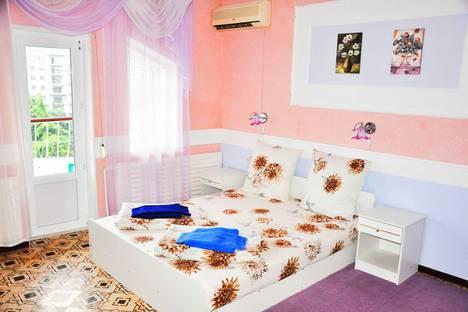 Сдается 1-комнатная квартира посуточно в Алуште, ул. Энгельса 10.