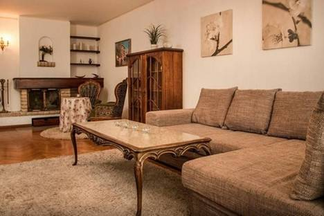 Сдается 3-комнатная квартира посуточнов Софии, бул. Патриарха Евтимия, 25.