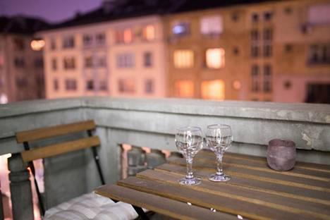 Сдается 2-комнатная квартира посуточно в Софии, бул. Александър Стамболийски, 26.