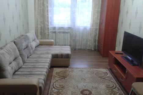 Сдается 2-комнатная квартира посуточно в Алматы, Казыбек би 125/2.