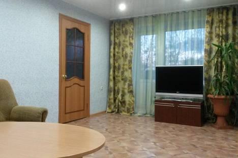 Сдается 3-комнатная квартира посуточнов Ленинске-Кузнецком, ул. Зварыгина, 2.