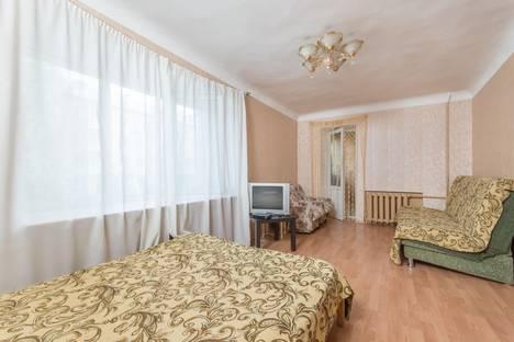 Сдается 1-комнатная квартира посуточно в Казани, Сибирский тракт, 21.