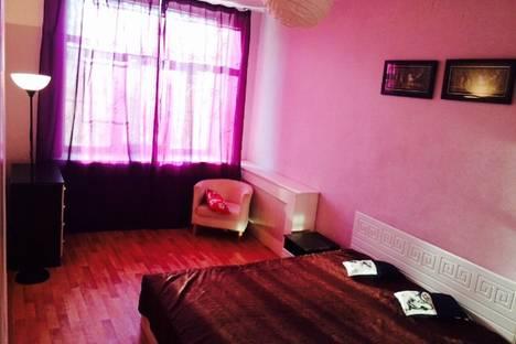 Сдается 4-комнатная квартира посуточно в Санкт-Петербурге, ул. Таврическая, 2.