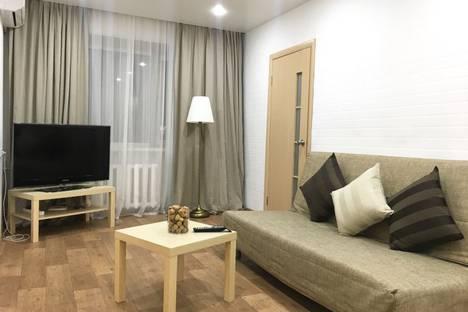 Сдается 2-комнатная квартира посуточно во Владивостоке, проспект 100-летия Владивостока, 45.