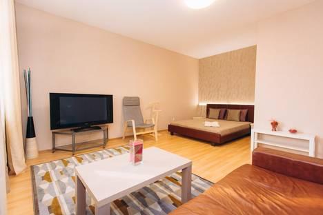 Сдается 2-комнатная квартира посуточно в Екатеринбурге, улица 8 Марта, 167.