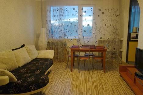 Сдается 2-комнатная квартира посуточно в Ухте, Комсомольская площадь, 8/12.