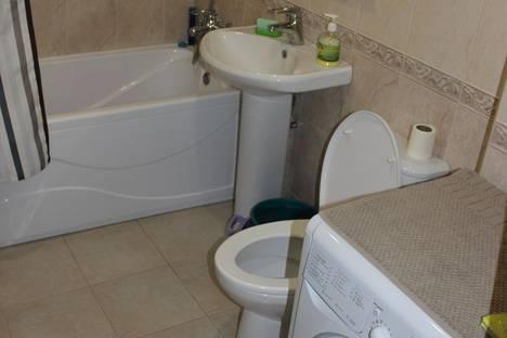 Сдается 2-комнатная квартира посуточно в Новочеркасске, Красный спуск 56.